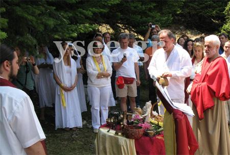 Εορτασμός του Θερινού Ηλιοστασίου από το Υ.Σ.Ε.Ε. (Ύπατο Συμβούλιο των Ελλήνων Εθνικών) και την Ελληνική Εταιρεία Αρχαιοφίλων